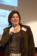 Elizabeth Albrycht, internet and blog consultant, at the Les Blog conference in Paris December 2005 on blogging, new media and internet strategy