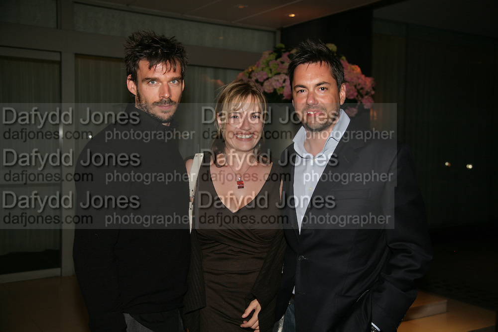 JAMIE WRIGHT, KATIE FITCH AND HER BROTHER NICK FITCH, private view  of new exhibition by Tim Stoner , Alison Jacques Gallery in new premises in Berners St., London, W1 ,Afterwards across the rd. at the Sanderson Hotel. 3 May 2007. DO NOT ARCHIVE-© Copyright Photograph by Dafydd Jones. 248 Clapham Rd. London SW9 0PZ. Tel 0207 820 0771. www.dafjones.com.