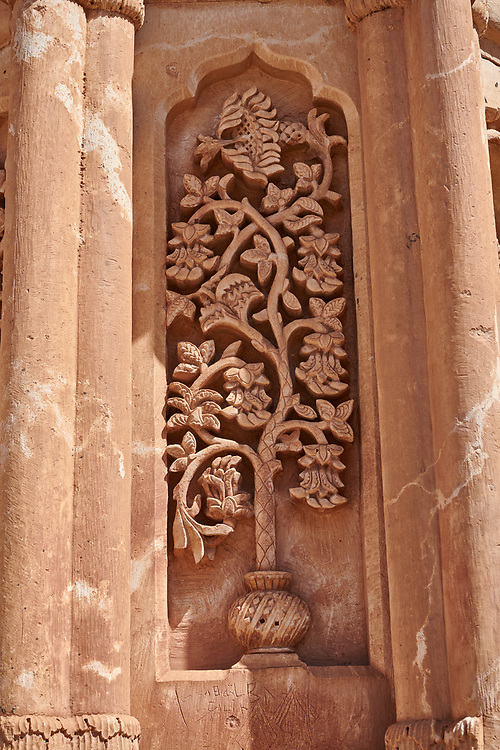 close up of bas relief on the entrance to the Hareem of the 18th Century Ottoman architecture of the Ishak Pasha Palace (Turkish: İshak Paşa Sarayı) ,  Agrı province of eastern Turkey. .<br /> <br /> If you prefer to buy from our ALAMY PHOTO LIBRARY  Collection visit : https://www.alamy.com/portfolio/paul-williams-funkystock/ishak-pasha-palace-turkey.html<br /> <br /> Visit our TURKEY PHOTO COLLECTIONS for more photos to download or buy as wall art prints https://funkystock.photoshelter.com/gallery-collection/3f-Pictures-of-Turkey-Turkey-Photos-Images-Fotos/C0000U.hJWkZxAbg