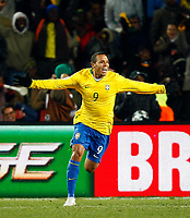 Fotball<br /> Brasil v USA<br /> Foto: Colorsport/Digitalsport<br /> NORWAY ONLY<br /> <br /> Luis Fabiano of Brazil and Sevilla celebrates his goal.  FIFA Confederations Cup Final South Africa 2009.  <br /> United States of America v Brazil<br /> at Ellis Park Stadium ( Coca Cola Stadium ) South Africa<br /> 28/06/2009