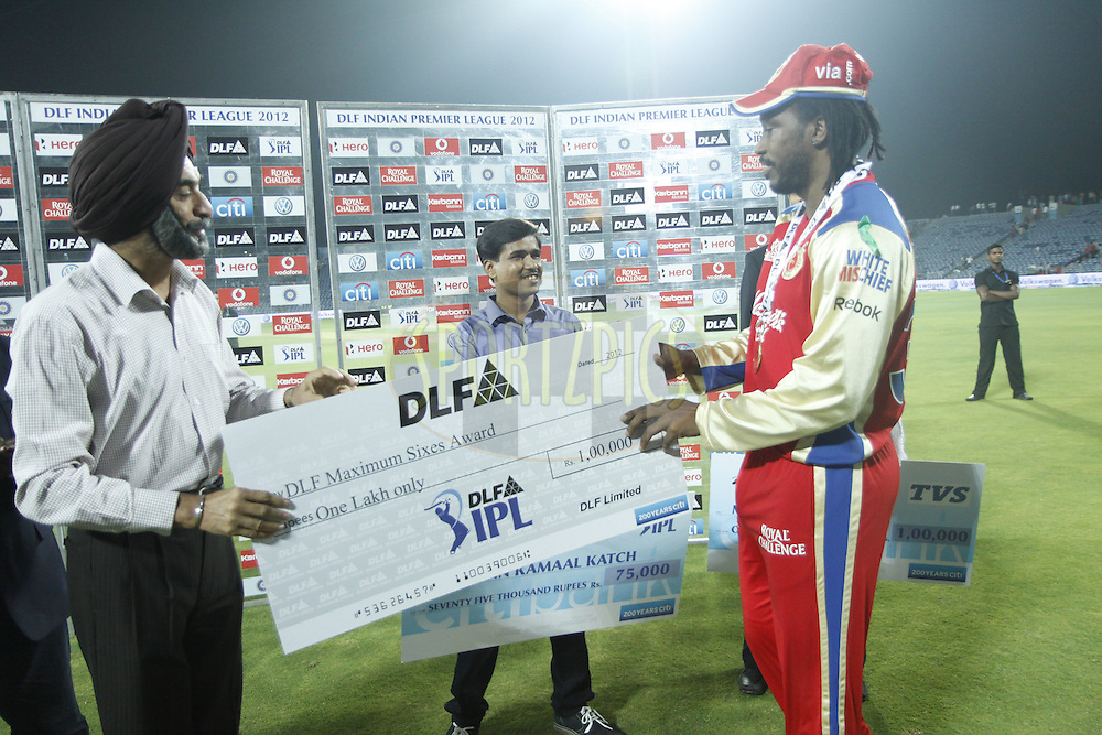 Chris Gyale player of Royal Challangers Banglore recives DLF maximum sixes award after the match 57 of the the Indian Premier League ( IPL) 2012  between The Pune Warriors India and the Royal Challengers Bangalore held at the Subrata Roy Sahara Stadium, Pune on the 11th May 2012..Photo by Sandeep Shetty/IPL/SPORTZPICS