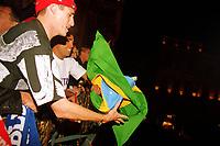 Fotball. Fransk liga 2001/2002. 04.05.2002.<br />Lyon v Lens. Lyon fransk mester.<br />Edmilson og Sonny Anderson feirer mesterskapet.<br />Foto: Jean-Marie Hervio, Digitalsport