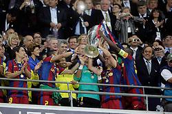 28.05.2011, Wembley Stadium, London, ENG, UEFA CHAMPIONSLEAGUE FINALE 2011, FC Barcelona (ESP) vs Manchester United (ENG), im Bild Barcelona lifts the cup - UEFA  Champions League Final between Barcelona and Manchester United at the Wembley Stadium  in London    on 28/05/2011, EXPA Pictures © 2011, PhotoCredit: EXPA/ IPS/ M. Pozzetti *** ATTENTION *** UK AND FRANCE OUT!
