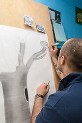 Prisoner in an art class