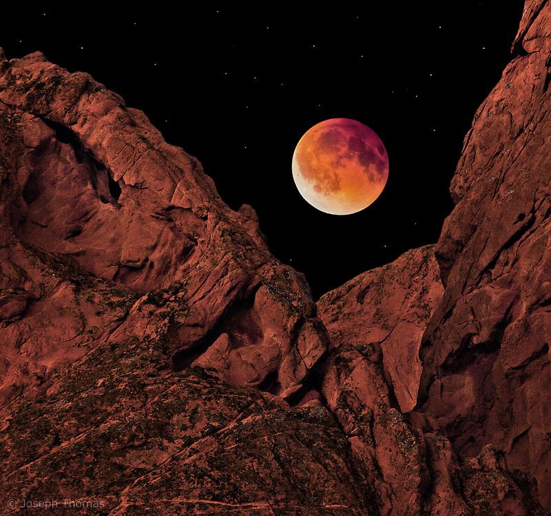 A total lunar eclipse on April 14, 2014.