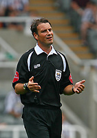 Photo: Andrew Unwin.<br />Newcastle United v PSV Eindhoven. Pre Season Friendly. 29/07/2006.<br />The referee, Mark Clattenburg.
