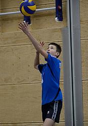 03-01-2015 NED: Nationale Open Clubkampioenschappen Volleybal 2015, Harderwijk<br /> Niet minder dan 491 jeugdteams, verdeeld over 27 sporthallen, begonnen aan de Nationale Open Clubkampioenschappen (NOJK) van 2015 / De jongens C en meisjes B/C in actie in de Sypel te Harderwijk / Set Up - VVH
