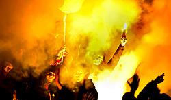 16.02.2011, Imtech Arena, Hamburg, GER, Hamburger SV vs FC St.Pauli, im Bild die Fans von Pauli zuenden im Fanblock Leuchtraketen.EXPA Pictures © 2011, PhotoCredit: EXPA/ nph/  Witke       ****** out of GER / SWE / CRO  / BEL ******