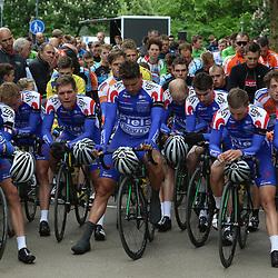 14-05-2016: Wielrennen: Ronde van Overijssel: Rijssen    <br />RIJSSEN (NED) wielrennen<br />Met 64 edities is de ronde van Overijssel een van de oudste wielerkoersen in Nederland. De renners van CT Jo Piels vertrokken na een emotionele week door het overlijden van ploegmaat Gijs Verdick