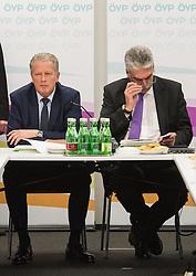 13.01.2015, ÖVP Bundespartei, Wien, AUT, ÖVP, Vorstandssitzung der Bundespartei anlässlich der Steuerreform. im Bild v.l.n.r. Vizekanzler und Minister für Wirtschaft und Wissenschaft Reinhold Mitterlehner (ÖVP) und Bundesminister für Finanzen Hans Jörg Schelling (ÖVP) // f.l.t.r. Vice Chancellor of Austria and Minister of Science and Economy Reinhold Mitterlehner (OeVP) and Minister of Finance Johann Georg Schelling (OeVP) before board meeting  of the austrian people's party according to tax reformation at federal party headquarter in Vienna, Austria on 2015/04/13. EXPA Pictures © 2015, PhotoCredit: EXPA/ Michael Gruber