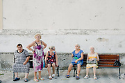 Donne per strada a Maiori, provincia di Salerno, il 25 agosto 2020. Christian Mantuano ©<br /> <br /> Women on the street in Maiori (Salerno) on august 25. Christian Mantuano ©