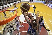 DESCRIZIONE : Venezia campionato serie A 2013/14 Reyer Venezia EA7 Olimpia Milano <br /> GIOCATORE : Hrvojc Peric<br /> CATEGORIA : tiro penetrazione mani<br /> SQUADRA : Reyer Venezia<br /> EVENTO : Campionato serie A 2013/14<br /> GARA : Reyer Venezia EA7 Olimpia<br /> DATA : 28/11/2013<br /> SPORT : Pallacanestro <br /> AUTORE : Agenzia Ciamillo-Castoria/A.Scaroni<br /> Galleria : Lega Basket A 2013-2014  <br /> Fotonotizia : Venezia campionato serie A 2013/14 Reyer Venezia EA7 Olimpia  <br /> Predefinita :