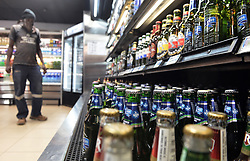 South Africa - Coronavirus - Pretoria - 11 June 2020 - People buying alcohol for the weekend on Thursday in preperation for the weekend.<br /> Picture: Oupa Mokoena/African News Agency (ANA)