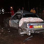 Ongeval Nieuw Bussummerweg Huizen, auto tegen boom