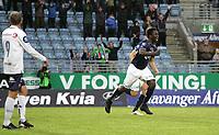 Tippeligaen, 22. runde.<br /> Viking FK - Strømsgodset.<br /> 01.09.2013 Viking Stadion, Stavanger.<br /> <br /> Foto. Simon Rogers, Digitalsport.<br /> <br /> Viking. King Osei Gyan<br /> Strømsgodset.