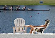 Sarasota, Florida, USA ., Saturday,  29.09.18, Spectator, relaxes, on the beach, , FISA, Masters World Rowing Championships,  Nathan Benderson Park, Sarasota-Bradenton,  © Karon PHILLIPS,