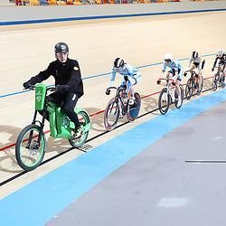 16-12-2016: Wielrennen: NK baanwielrennen: Apeldoorn  <br /><br />Finale keirin junior vrouwen gewonnen door Steffie van der Peet
