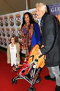 Prinses Maxima en haar drie dochters bij premiere Fantasia de Muisical<br /> <br /> Op de foto:  Marion Bloem