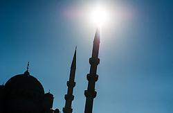 THEMENBILD - Neue Moschee. Istanbul, früher Konstantinopel, ist die größte Stadt der Türkei. Sie liegt am Bosporus und liegt am Schnittpunkt von Asien und Europa. Aufgenommen am 05.03.2016 in Istanbul, Türkei // Yeni Cami. Istanbul, former Constantinople, is the biggest City of Turkey. Turkey on 2016/03/05. EXPA Pictures © 2016, PhotoCredit: EXPA/ Michael Gruber
