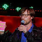 NLD/Amsterdam/20120918 - Cd Box presentatie Doe Maar, Giel Beelen met de cd