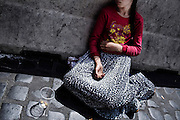 Bambina mendicante, Roma 17 Maggio 2014.  Christian Mantuano / OneShot