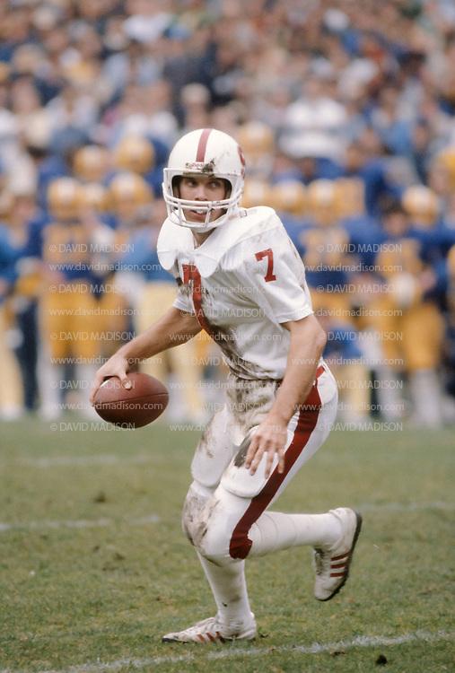 BERKELEY, CA - NOVEMBER 22:  Quarterback John Elway #7 of Stanford University scrambles during the 83rd Big Game against Cal on November 22, 1980 at Memorial Stadium in Berkeley, California.  (Photo by David Madison/Getty Images)  *** Local Caption *** John Elway