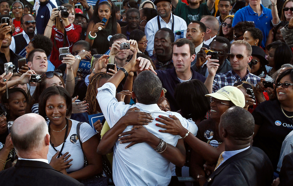 U.S. President Barack Obama greets supporters at a rally at Vernon Park in Philadelphia, October 10, 2010.   REUTERS/Jim Young