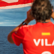 Leg 4, Melbourne to Hong Kong, day 09 on board MAPFRE, Joan Vila looking at Akzonobel, Vestas and Dongfeng through the binoculars. Photo by Ugo Fonolla/Volvo Ocean Race. 10 January, 2018.