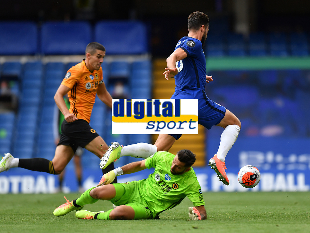 Football - 2019 / 2020 Premier League - Chelsea vs. Wolverhampton Wanderers<br /> <br /> Chelsea's Olivier Giroud scores his side's second goal after rounding Wolverhampton Wanderers' Rui Patricio, at Stamford Bridge.<br /> <br /> COLORSPORT/ASHLEY WESTERN