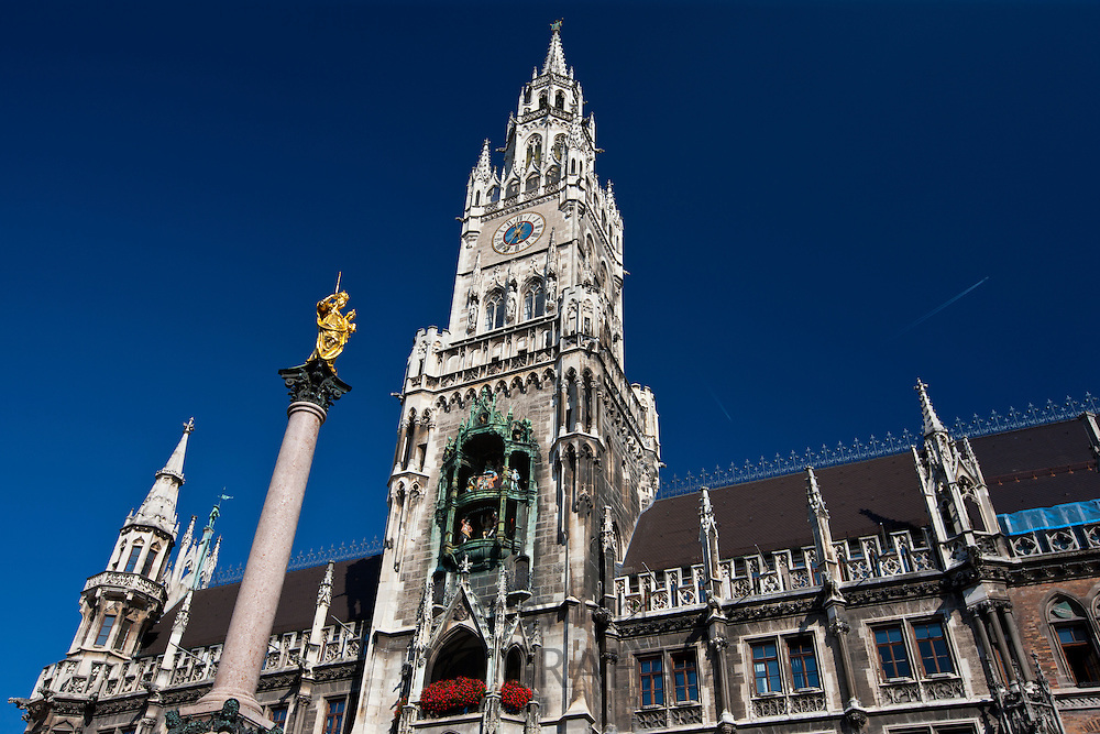 The Rathaus town hall, Glockenspiel and monument at Marienplatz in Central Munich, Bavaria, Germany