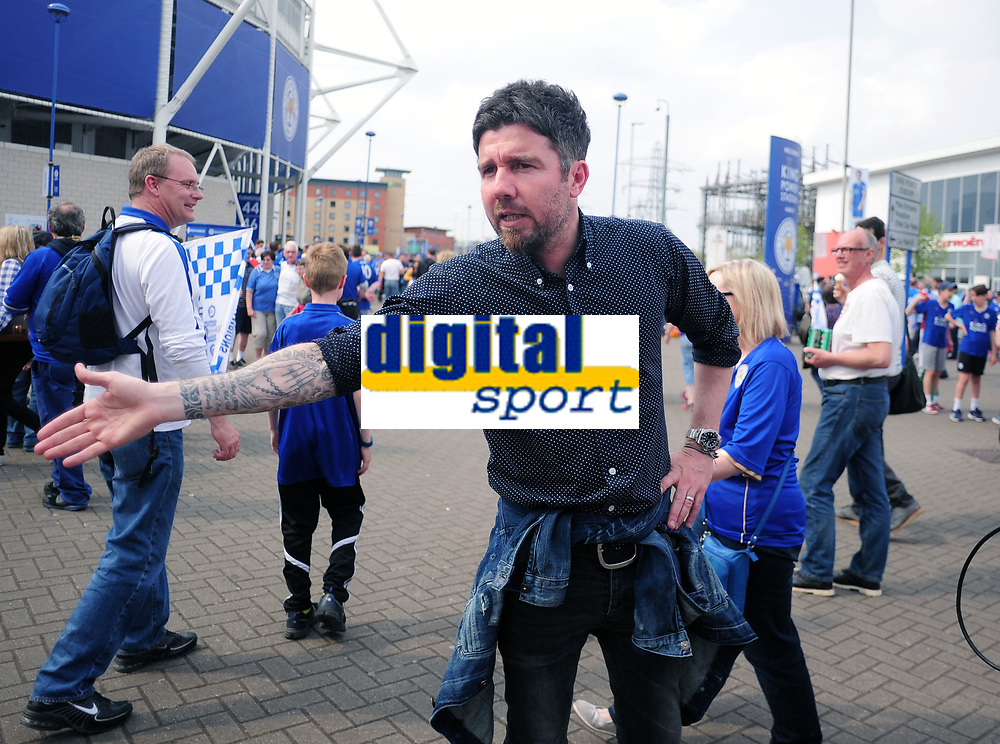 Football - 2015 / 2016 Premier League - Leicester City vs. Everton<br /> <br /> Ex Leicester player Muzzy Izzet at the King Power Stadium.<br /> <br /> COLORSPORT/ANDREW COWIE<br /> <br /> [Chelsea's draw with Tottenham earlier in the week had confirmed Leicester as league champions, and this was the game they were presented with the Premier League trophy.]