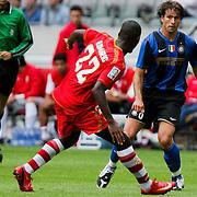 NLD/Amsterdam/20080808 - LG Tournament 2008 Amsterdam, FC Internazionale v Sevilla FC, Maxwell in duel met Ndri Koffi Romaric