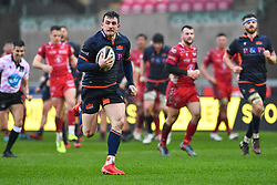 Matt Scott of Edinburgh in action during todays match<br /> <br /> Photographer Craig Thomas/Replay Images<br /> <br /> Guinness PRO14 Round 11 - Scarlets v Edinburgh - Saturday 15th February 2020 - Parc y Scarlets - Llanelli<br /> <br /> World Copyright © Replay Images . All rights reserved. info@replayimages.co.uk - http://replayimages.co.uk