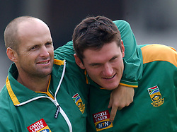 l-r; South Africa's Gary Kirsten and captain Graeme Smith joke around during nets