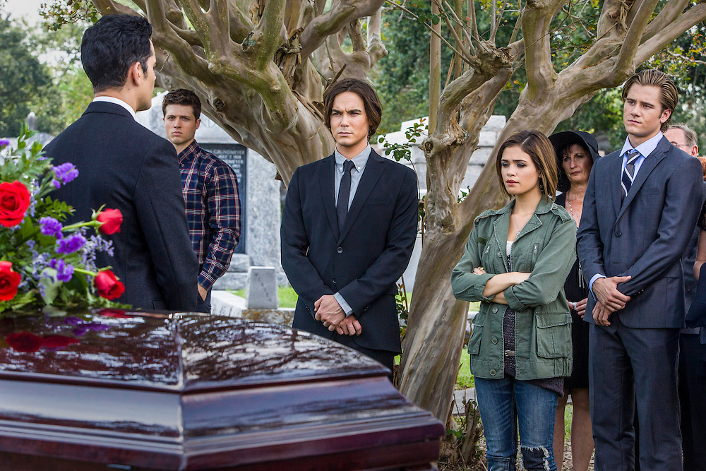 """Steven Cabral as Raymond Collins, the Funeral Director, Tyler Blackburn as Caleb and Nicole Gale Anderson as Miranda in ABC Family's """"Ravenswood""""."""