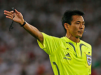 Photo: Glyn Thomas.<br />Germany v Portugal. Third Place Playoff, FIFA World Cup 2006. 08/07/2006.<br /> Referee Toru Kamikawa.