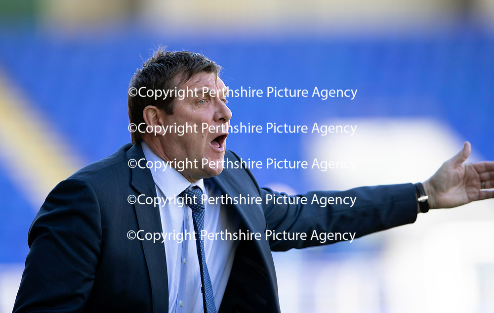 St Johnstone v Ross County…12.05.18…  McDiarmid Park    SPFL<br />Tommy Wright shouts instructions<br />Picture by Graeme Hart. <br />Copyright Perthshire Picture Agency<br />Tel: 01738 623350  Mobile: 07990 594431
