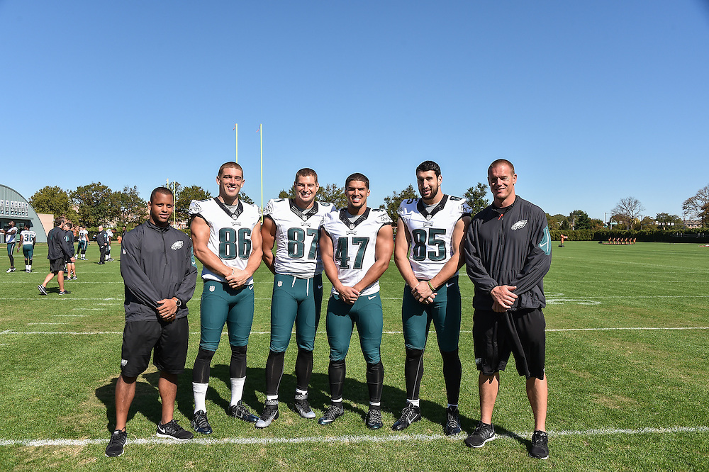 2015 Eagles team and position group photos (Photo by John Geliebter/Philadelphia Eagles)
