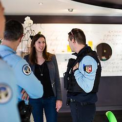 Patrouille PSQ (Police de Sécurité du Quotidien) de gendarmes départementaux dans les rues commerçantes d'Annecy-le-vieux. Rencontres et discussions avec les commerçants et le grand public. <br /> Février 2019 / Annecy (74) / FRANCE<br /> Voir le reportage complet (90 photos) https://sandrachenugodefroy.photoshelter.com/gallery/2019-02-Gendarmerie-departementale-Annecy-Complet/G0000z70yEIPiTjg/C0000yuz5WpdBLSQ