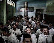 Pandilleros de la carcel San Francisco Botera acogidos al programa Yo cambio del Gobierno de San Salvador para mantener ocupados y sin conflicto a los pandilleros mas violentos