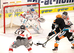 03.01.2021, Keine Sorgen Eisarena, Linz, AUT, ICE, Black Wings 1992 vs iClinic Bratislava Capitals, im Bild v.l. Milos Bubela (iClinic Bratislava Capitals), Tormann Jared Coreau (iClinic Bratislava Capitals), Dragan Umicevic (Steinbach Black Wings 1992), Sacha Guimond (iClinic Bratislava Capitals) // during the bet-at-home ICE Hockey League match between Black Wings 1992 and iClinic Bratislava Capitals at the Keine Sorgen Eisarena in Linz, Austria on 2021/01/03. EXPA Pictures © 2020, PhotoCredit: EXPA/ Reinhard Eisenbauer