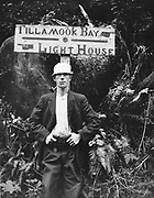 9534-17A.  Sign to Cape Mears Lighthouse, August 1914