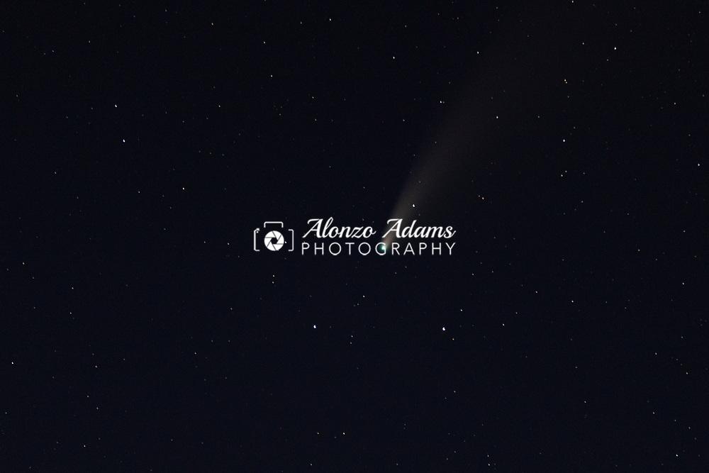 C/2020 F3 NEOWISE Comet seen in the dark sky north of El Reno, Okla. on Saturday, July 18, 2020. Photo copyright © 2020 Alonzo Adams.