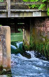 UK ENGLAND WILTSHIRE 26JUN08 - Sluice at the river Kennet near Stichcoombe in rural Wiltshire, western England...jre/Photo by Jiri Rezac..© Jiri Rezac 2008..Contact: +44 (0) 7050 110 417.Mobile:  +44 (0) 7801 337 683.Office:  +44 (0) 20 8968 9635..Email:   jiri@jirirezac.com.Web:     www.jirirezac.com..© All images Jiri Rezac 2008 - All rights reserved.