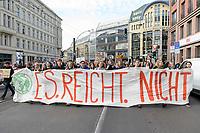 11 OCT 2019, BERLIN/GERMANY:<br /> Jugendliche demonstrieren mit einem Demonstrationszug von Fridays for Future fuer wirkungsvolle Massnahmen gegen den Klimawandel, Hackescher Markt, Mitte, grauer Sweater / Brille: Franziska Wessel, Klimaaktivistin, Fridays for Future<br /> IMAGE: 20191011-01-021<br /> KEYWORDS: Demonstration, Demo, Demonstranten, Klima, Klimawandel, climate change, protest, Schueler, Schüker, Studenten, Protest