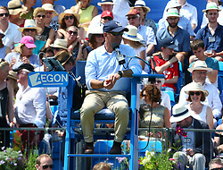 June 20, 2017 - London, United Kingdom - Umpire Fergus Murphy doing Thomas Kokkinakis  (AUS) agoinst mILOS Raonic (CAN)  during Round One match on the second day of the ATP Aegon Championships at the Queen's Club in west London on June 20, 2017  (Credit Image: © Kieran Galvin/NurPhoto via ZUMA Press)
