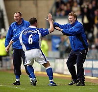 Fotball. Engelsk Premier Leauge 2001/2002.<br /> Everton v Derby 23.03.2002.<br /> David Unsworth og David Moyes, manager Everton.<br /> Foto: David Rawcliffe, Digitalsport