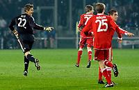 L'esultanza di Hans-Jorg Butt (Bayern Monaco) per il goal dell' 1-0.<br /> Hns Jorg Butt 's celebration for his 1-0 leading goal scored for Bayern Munchen. <br /> Torino 08/12/2009 Stadio Olimpico<br /> Juventus vs Bayern Monaco - Champions League 2009-10.<br /> Foto Giorgio Perottino / Insidefoto