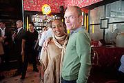 KAREN KRANENBURG; ARTHUR DUNCAN, Brunch to celebrate the launch of Art HK 11. Miss Yip Chinese Cafe. Meridian ave,  Miami Beach. 3 December 2010. -DO NOT ARCHIVE-© Copyright Photograph by Dafydd Jones. 248 Clapham Rd. London SW9 0PZ. Tel 0207 820 0771. www.dafjones.com.