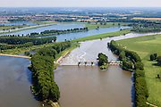 Nederland, Limburg, Gemeente Maasgouw, 27-05-2013; de stuw bij Linne. Maas en Maasplassen bij Roermond.<br /> Weir and spillway at Linne. Meuse and Meuse-lakes near Roermond.luchtfoto (toeslag op standard tarieven);<br /> aerial photo (additional fee required);<br /> copyright foto/photo Siebe Swart.
